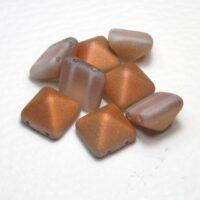 Piramida perle 12x12 sa dve rupe