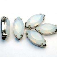 Navette - White Opal sa postoljem